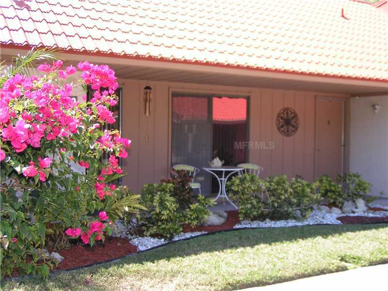 Photo of home for sale at 6368 Draw Lane # 34, Sarasota FL