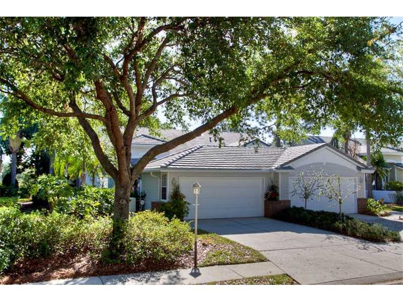 Photo of home for sale at 7711 Whitebridge Glen, Sarasota FL
