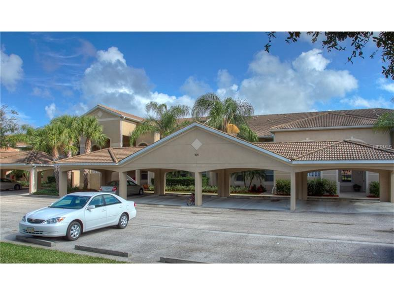 Photo of home for sale at 905 FAIRWAY COVE LANE, Bradenton FL
