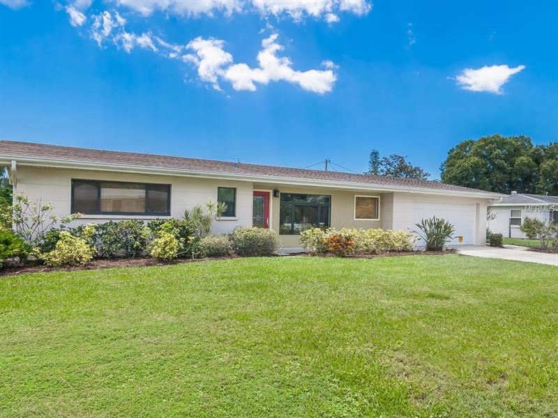 Photo of home for sale at 2700 SUNNYSIDE STREET, Sarasota FL