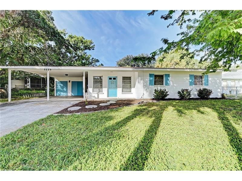 Photo of home for sale at 5226 CALLE DE COSTA RICA, Sarasota FL