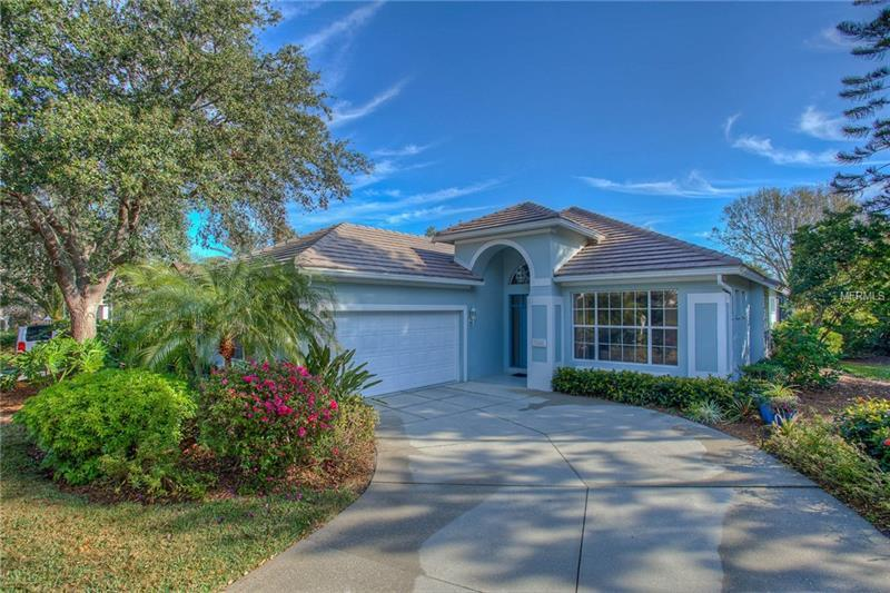 Photo of home for sale at 7101 VICTORIA CIRCLE, University Park FL