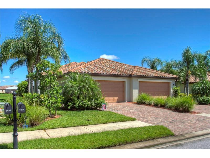 Photo of home for sale at 6627 CANDLESTICK DRIVE, Bradenton FL