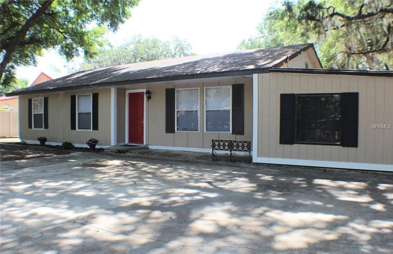 Photo of home for sale at 1726 4TH AVENUE, Bradenton FL