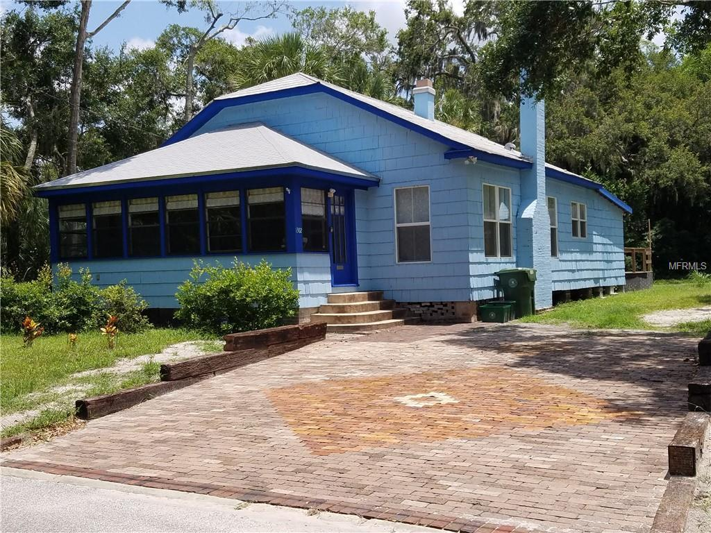 Photo of home for sale at 1302 2ND AVENUE, Bradenton FL
